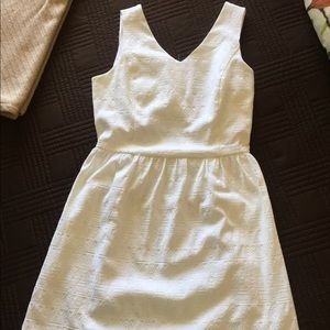 Cute, white dress by kensie.  Great details!